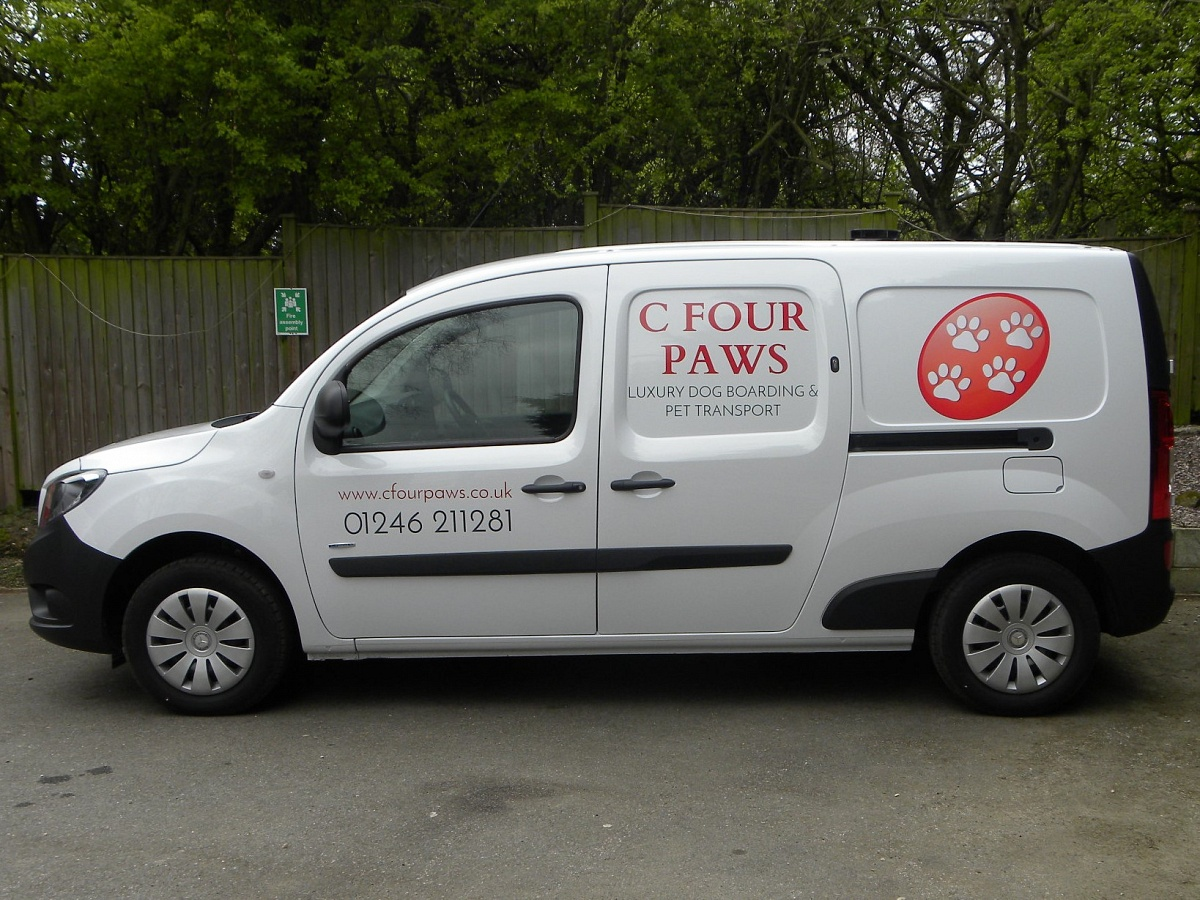 Pet Courier To From The Uk C Four Paws